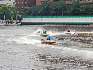 Sometimes the boats are very close to each other at the turn, and it is very exciting to see them just zoom past each other without hitting someone else.