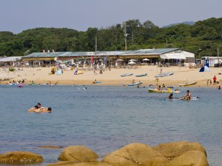 Isono-ya is one of the beach houses, or umi-no-ie