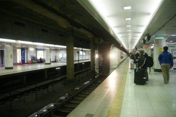 5สายรถไฟฟ้าจากสนามบินนาริตะ-โตเกียว