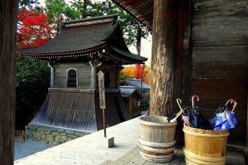 金峯山寺の秋