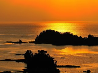 Sunset over the East China Sea viewed from the Funakoshi Observation Deck