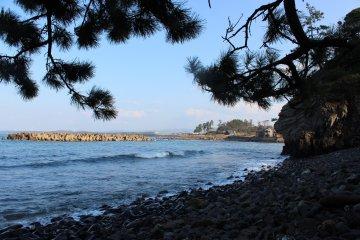 福井・三国の海岸沿いを歩く