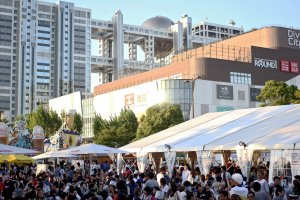 The festival is quite close to the Diver City Mall in Odaiba; you can actually see the mall in the background as well as the Fuji Television building.
