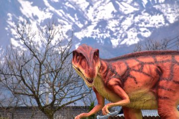 Sakura no Reino dos Dinossauros