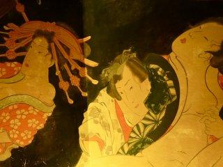La peinture sur le mur est aussi connue sous le nom de Shunga, un type d'estampe érotique de l'ère Edo