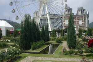 There is even a replica of theRiesenrad, which is a famous ferris wheel in Vienna.