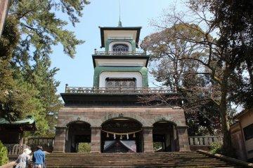金沢「尾山神社」の春詣で~1