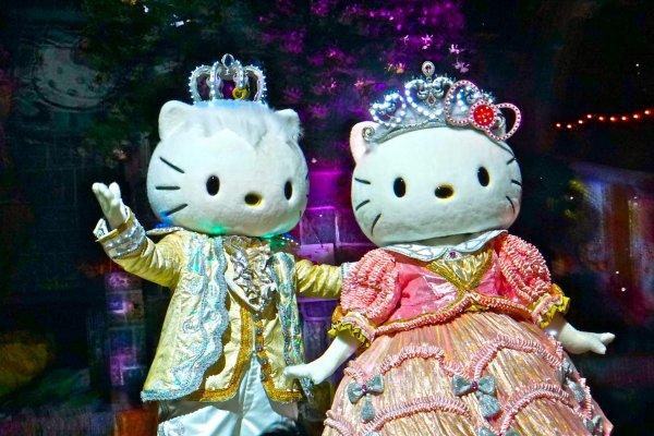Hello Kitty and Dear Daniel are so happy to see you at Sanrio Puroland in Tokyo!