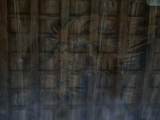 The painting of a Chinese dragon on the ceiling