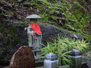A stone statue of Kobo-daishi