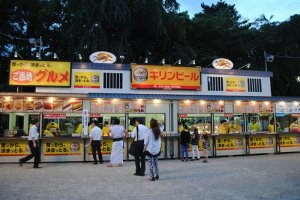Semi-permanant food stalls on the thoroughfare