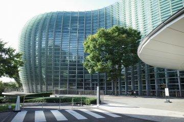 東京國立新美術館