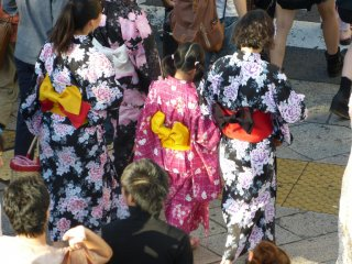 Sakuragicho Station was jammed with young women dressed in yukata