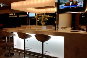 CNN and finest wines await at JAL's lounge at Narita