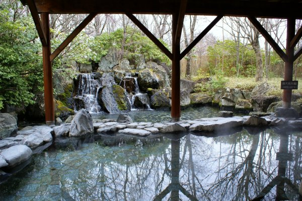 Epinard Nasu\'s outdoor onsen is one of the largest in the region