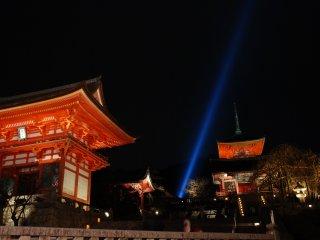 L'entrée du sanctuaire de Kiyomizu-dera