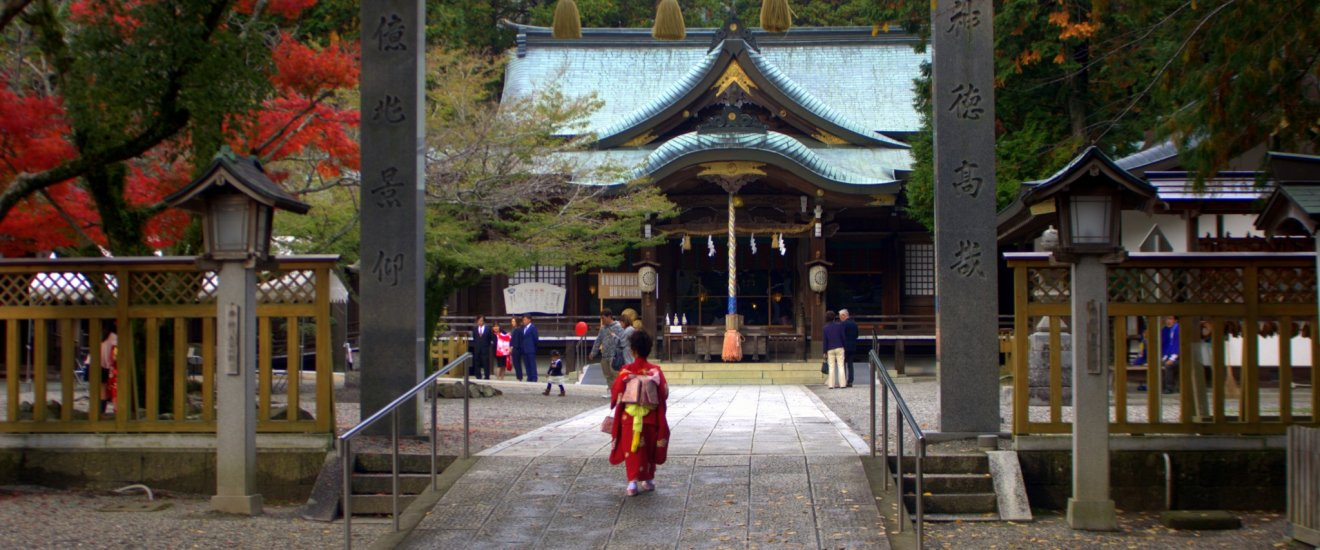 It is not uncommon to see people visit this shrine in kimono, especially young children