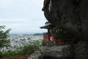 Rocher Sacré Gotobiki Iwa à Shingû