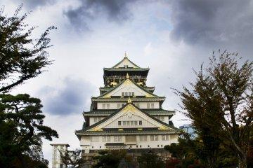 Сады замка в Осаке