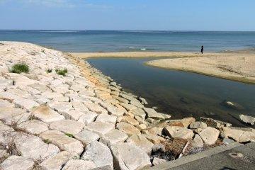 หาด Kemmin Sun Beach บนเกาะอะวะจิ