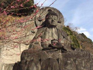 Big buddha at Nihon-ji.