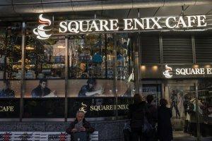 Square Enix Café, situado no primeiro andar da Yodobashi Akiba