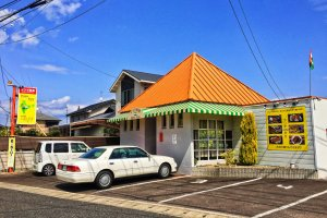 A cute little, stand-alone restaurant on the side of route 11