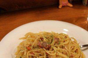 Spicy pork and tomato pasta at Vento di Mare