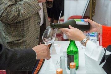 Sake Etiquette