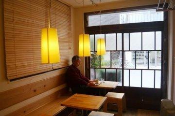 在東京晴空塔下品味改造咖啡店