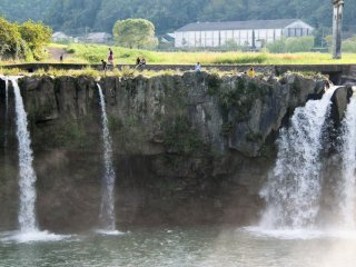 There are no restrictions as to where you can go so you can easily sit on the edge of the falls (but be careful!)