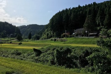 Old-Time Farm Life: Shunran-no-Sato