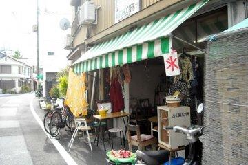 Kafe Warung : Thailand Kecil di Kota Kochi