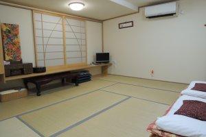 A ten-mat room