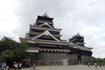 ปราสาทคุมะโมะโตะ