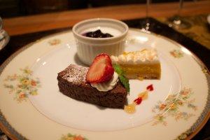 Splendid mini dessert platter