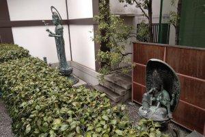 Kannon's presence at Rokkakudo