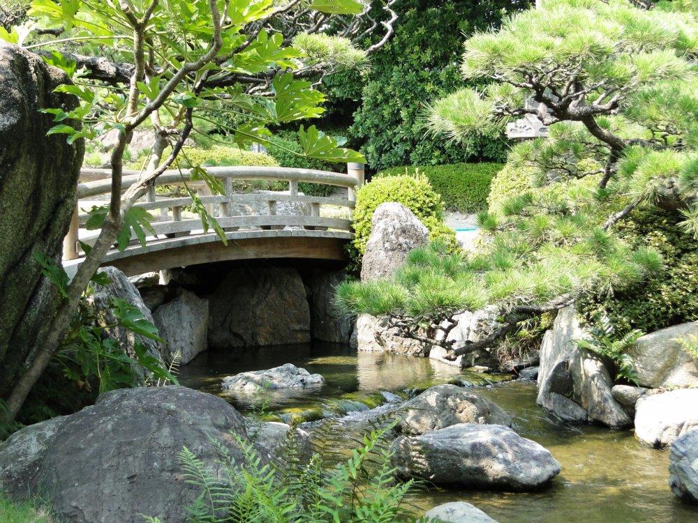 A stone bridge in Ohori Park Japanese Garden