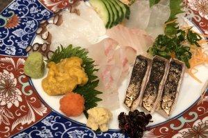 Today's assorted sashimi, beautiful sea urchin from Amakusa