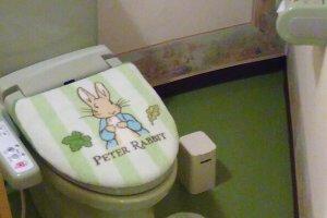 Peter Rabbit motif in Peter Rabiit themed room