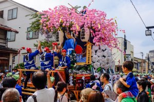 The festival features 10 beautifully coloured Dashi floats