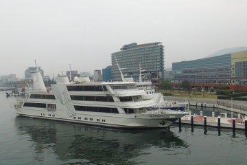 Lake Biwa with the Michigan Cruiser