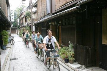 Kyoto Back Street Guided Bike Tour