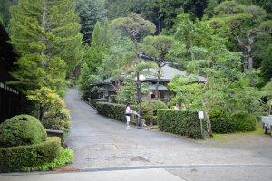 """O nosso """"hanare"""" ou residência privada, completo com o nosso jardim privado"""