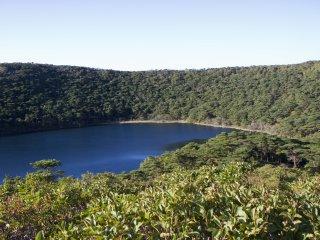 뱌쿠시 연못의 푸른색