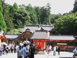 Kirishima Shrine, crowded with tourists