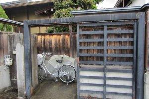 """""""บ้านกับจักรยาน"""" ภาพชินตาในทาคายามะ"""