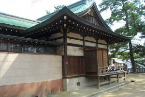 The shrine building viewed from the side