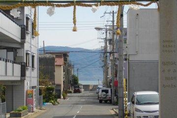 <p>Вид острова Авадзи и океана у ворот</p>