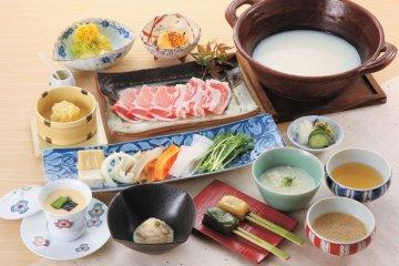 <p>Ume no Hana Shabu-Zen course</p>